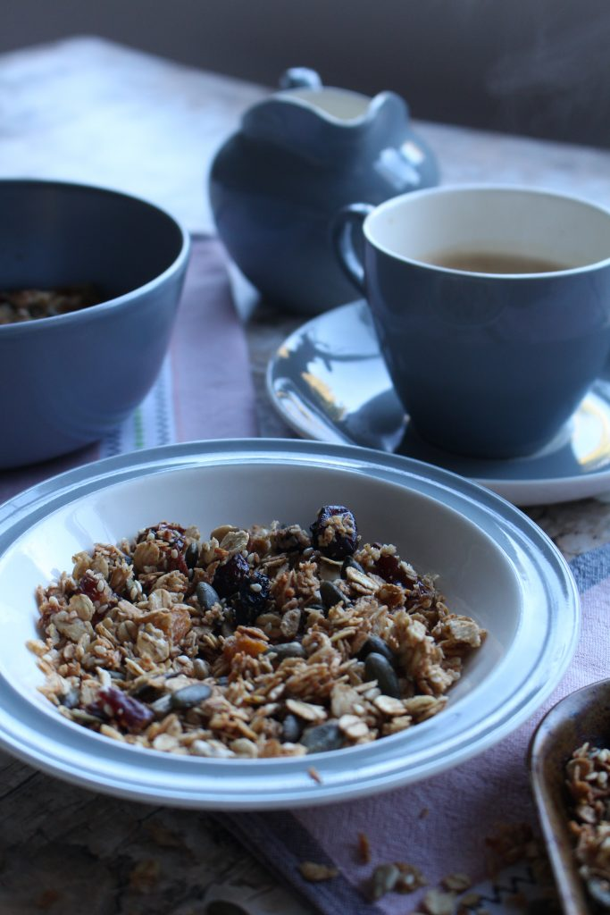 cinamon date granola breakfast beachhutcook